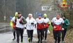 60 chilometri di corsa sotto l'acqua per ricordare i colleghi morti