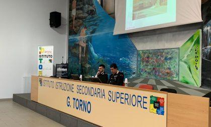 L'Istituto Torno di Castano incontra i Carabinieri - FOTO