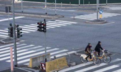 Emergenza smog: ufficiale lo stop totale delle auto a Milano