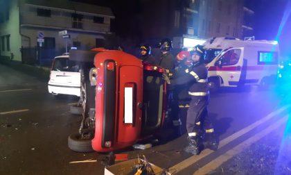 Grave scontro sul Sempione: un'auto si ribalta - LE FOTO