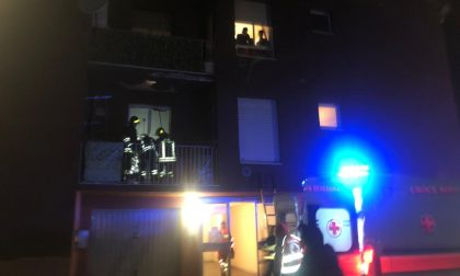 Cade in casa, anziana soccorsa dai pompieri