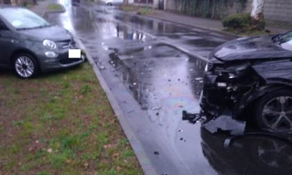 Frontale tra auto: 44enne in ospedale – LE FOTO