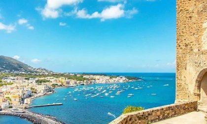 Coronavirus, Ischia vieta l'ingresso ai turisti lombardi e veneti