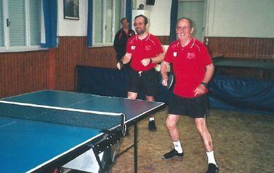 A 81 anni insegna il ping-pong ai ragazzi, premiato dal Csi nella notte dei campioni
