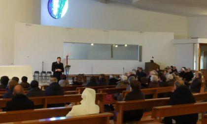 Il capitano sale sul pulpito e predica agli anziani contro le truffe