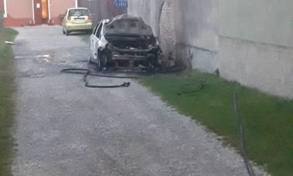 La sua auto prende fuoco: morto il 34enne ustionato