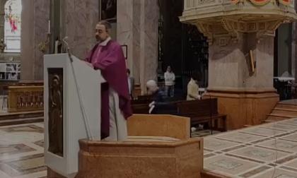 Don Maurizio e l'omelia che sta facendo commuovere Magenta VIDEO
