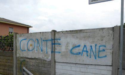 Scritte contro Conte e il Governo su muri e strade