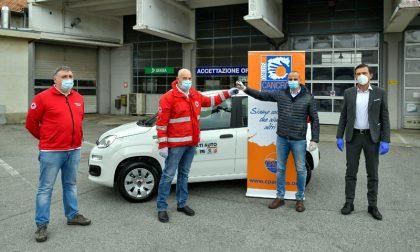 Cancro Primo Aiuto dona un'auto al Comitato Regionale Lombardia di Croce Rossa Italiana