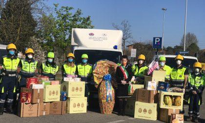 Il sindaco porta le uova di Pasqua in ospedale