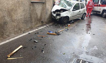 Auto contro muro: 38enne in ospedale - LE FOTO