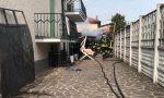 Due auto in fiamme nel box, paura nel giorno di Pasquetta