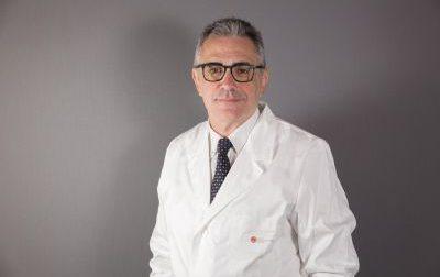 Il virologo Rhodense Pregliasco minacciato di morte: solidarietà del presidente Fontana