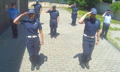 Flash mob in comando: Polizia Locale saluta i bimbi dell'educazione stradale