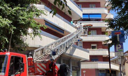Vigili del fuoco e 118 per soccorrere una donna FOTO e VIDEO