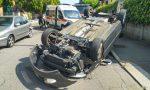 Auto si ribalta a Legnano: paura per una donna