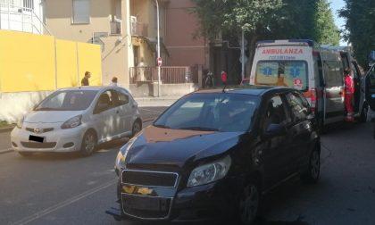 Incidente tra due auto: traffico bloccato in corso Europa FOTO