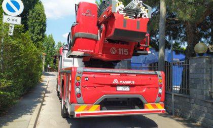 Spazzatura in fiamme a Legnano FOTO