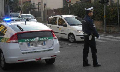 Rubano la bici a un anziano in farmacia, due 15enni denunciati dalla Polizia Locale