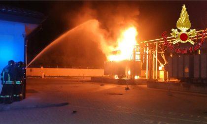 Incendio nella notte: a fuoco trasformatore Enel FOTO e VIDEO