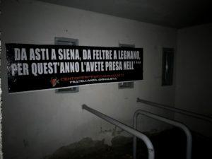 Affisso striscione ironico sul Palio annullato a Siena, Asti e Feltre FOTO