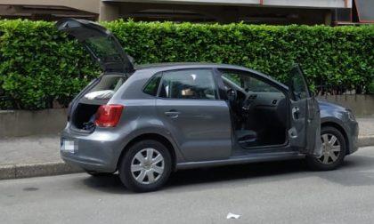 Bimbo rimane chiuso in auto, salvato dai Vigili del Fuoco