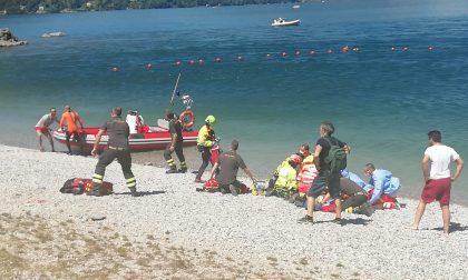 Tragedia nel lago: 23enne muore dopo un bagno a Riva Bianca FOTO