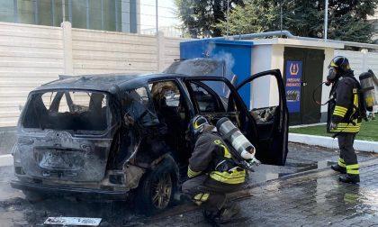 Auto a fuoco al distributore