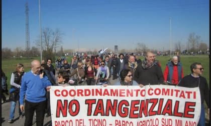"""Superstrada, i No Tang: """"Sindaci, il mondo è cambiato: il cemento non porta sviluppo"""""""
