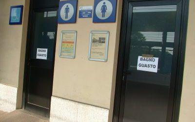 """Rho: """"Bagni della stazione ancora chiusi, faremo la pipì in strada"""""""