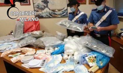 Il regno della droga in casa: arrestata coppia di spacciatori