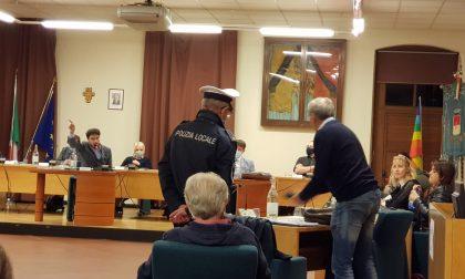 Busto Garolfo, consigliere di minoranza buttato fuori dall'aula