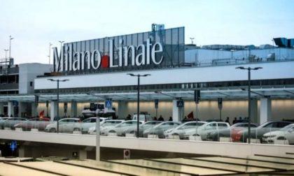 Passeggero positivo al test Covid, non sale sul volo Linate-Roma