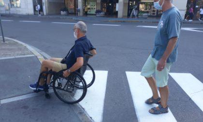 RiParabiago in carrozzina per abbattere le barriere architettoniche in città FOTO