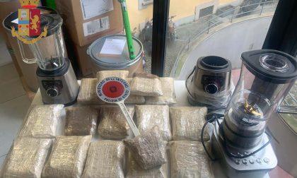 """Scoperta una """"raffineria"""" di droga: arrestati due trafficanti con 8 chili di eroina"""