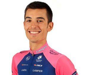 Paura al Giro d'Italia: terribile incidente per il rhodense Luca Wackermann