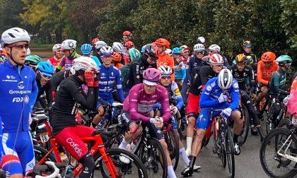 Maltempo, il Giro d'Italia parte da Abbiategrasso. FOTO-VIDEO