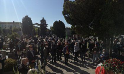 Vittuone si ferma per l'ultimo saluto all'ex sindaco Baglio