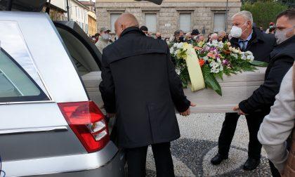 Magenta si ferma per l'addio a Riccardo Bona