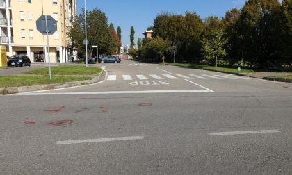 Motociclista travolge anziano in bicicletta
