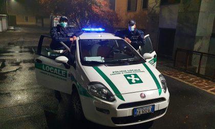 Polizia Locale, pattugliamenti per Dpcm e coprifuoco: controllato anche un prete FOTO