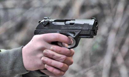 Aggrediscono guardia giurata sul treno e gli rubano la pistola