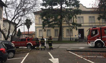 I Vigili del fuoco sanificano poliambulatorio e Centro Anziani