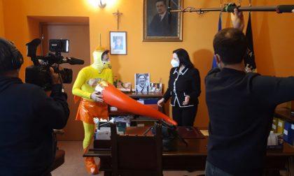 Capitan Ventosa arriva a Magenta e stuzzica il sindaco