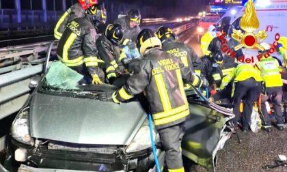 Gravissimo incidente sulla Tangenziale: coinvolta una famiglia, morta una donna FOTO