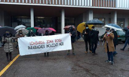Protesta dei commercianti in piazza