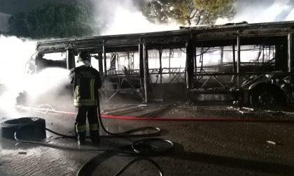 Incendio nel deposito bus a Cornaredo