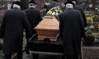 Quasi 400 morti in più nell'anno del Covid
