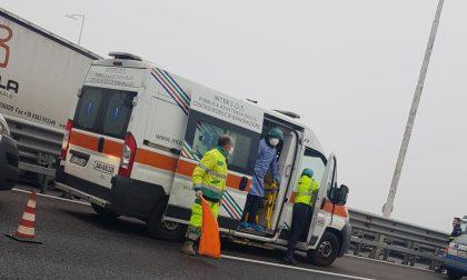 Tangenziale ovest, morto l'autotrasportatore colpito da malore