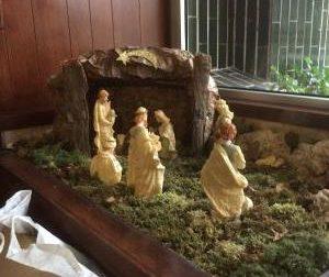 Rubano Gesù Bambino dal presepe di via Fermi